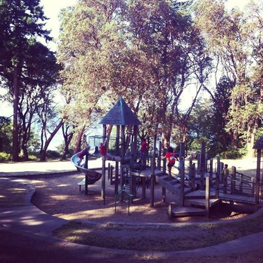 One of my favorite things about Seattle is all the fabulous parks - this one had a crazy awesome zipline.