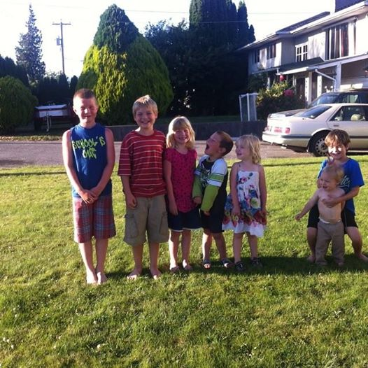 Our cousins in Chiliwack - Those are actually the kids second cousins, but the resemblance is uncanny!